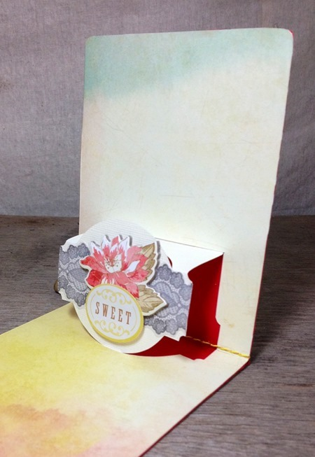 Sizzix Pop up card 1 close up 1 - JC