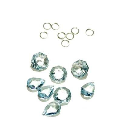 HS64354_-_chandelier_crystals_sky